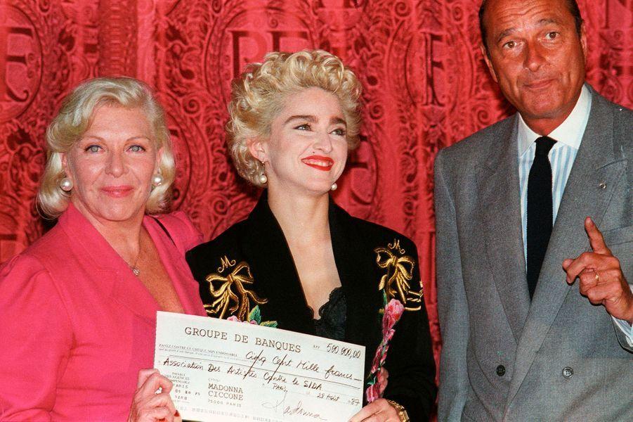 Madonna, avec Line Renaud et Jacques Chirac, le 28 août 1987