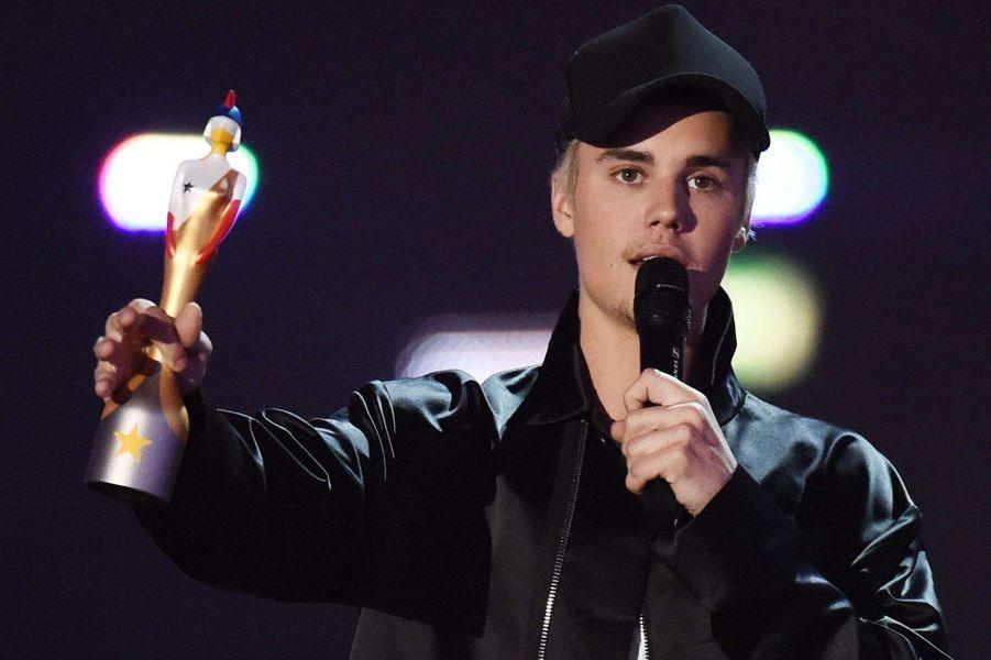 Justin Bieber remporte le prix d'Artiste masculin international de l'année