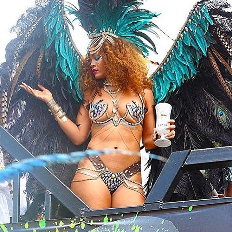 Rihanna dévoile les coulisses du carnaval de la Barbade