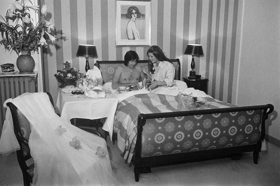 Ringo et Sheila, le matin de leur nuit de noces à l'hôtel George V, à Paris