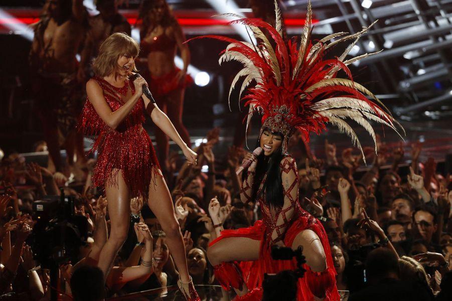 "Taylor Swift et Nicki Minaj chantent ""Bad Blood"""