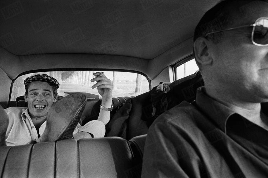 Jacques Brel en route vers son dernier récital à l'Olympia, le 29 septembre 1966
