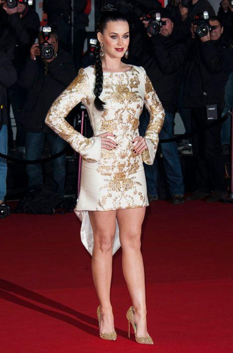 Katy Perry sur le tapis rouge des NRJ Music Awards, Cannes, décembre 2013