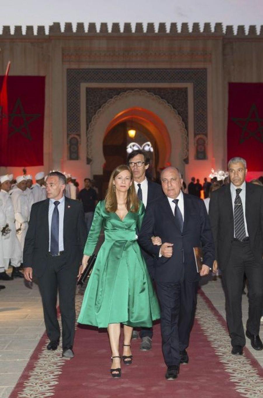 Arrivée au palais de la violoniste au bras de Zouhir Boudemagh, président de l'Alma Chamber Orchestra qu'elle dirige.