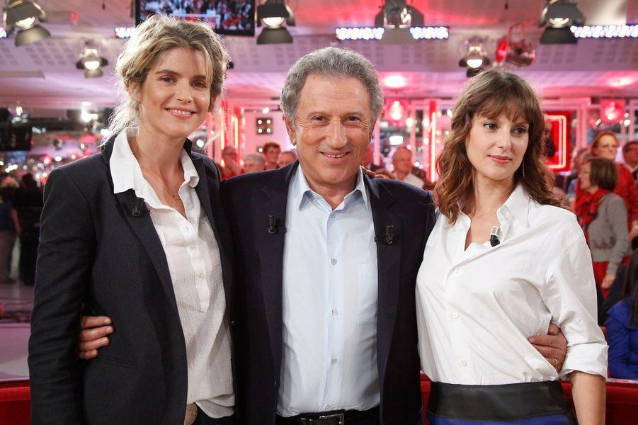 Alice Taglioni, Elodie Navarre et Michel Drucker pendant l'enregistrement de «Vivement Dimanche» Roberto Alagna à Paris, le 15 octobre 2014