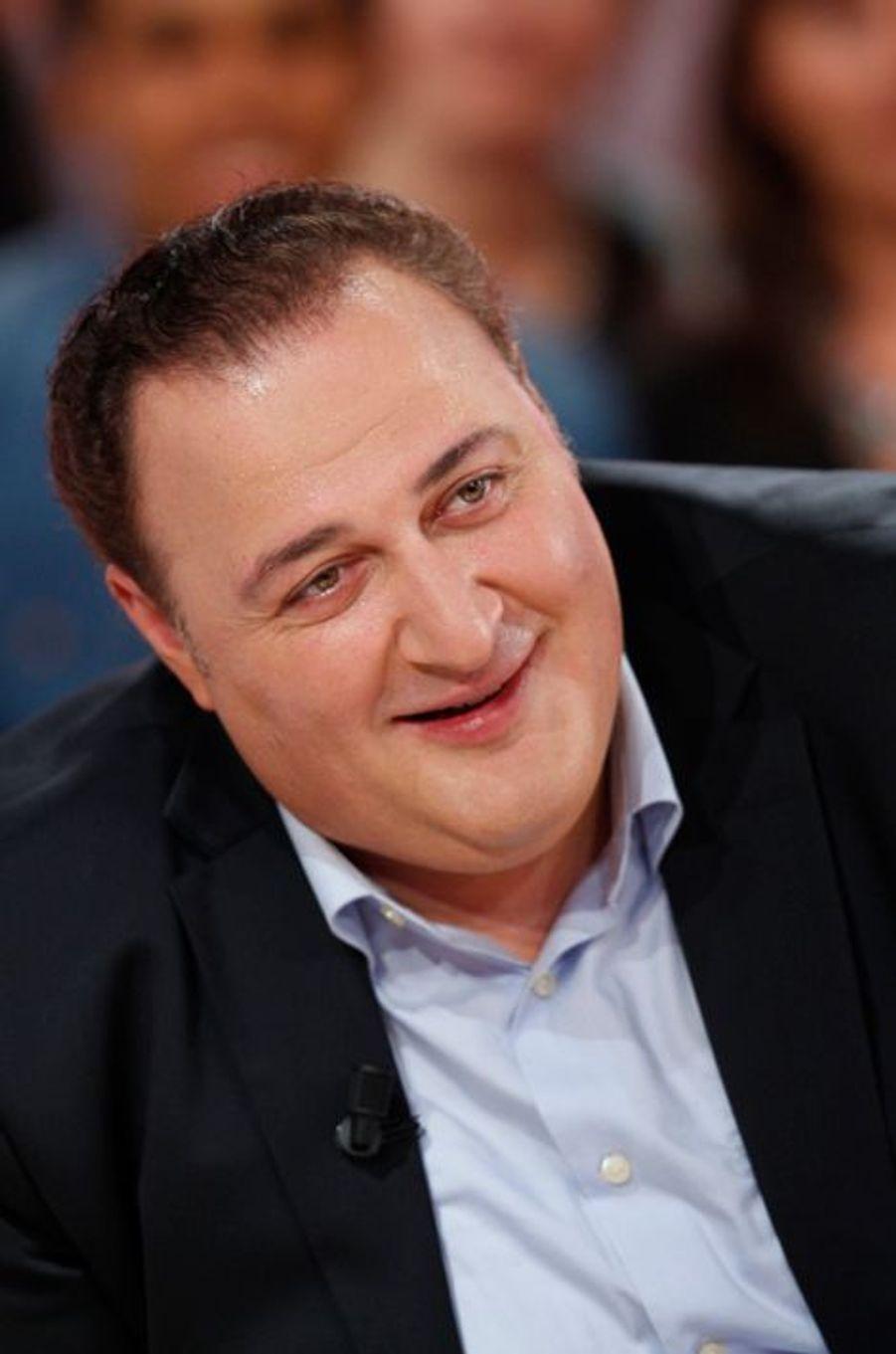 George Gagnidze pendant l'enregistrement de «Vivement Dimanche» Roberto Alagna à Paris, le 15 octobre 2014