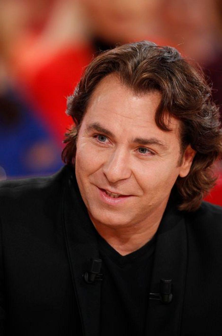 Roberto Alagna sur le plateau de «Vivement Dimanche» à Paris, le 15 octobre 2014