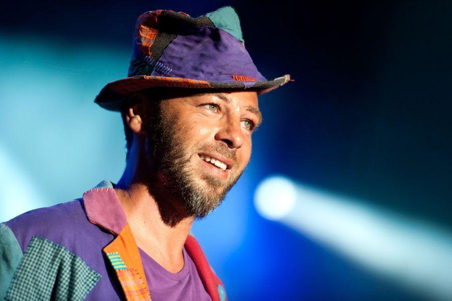Avec 2,2 millions d'euros, le chanteur occupe la septième place du classement.