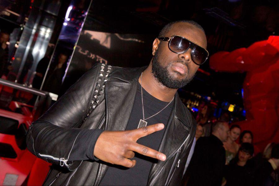 Le rappeur Maître Gims, membre du groupe Sexion d'Assaut, a été propulsé à la deuxième place du classement avec 3,1 millions d'euros de revenu en 2013. Il a vendu 500 000 copies de son premier album solo «Subliminal.»