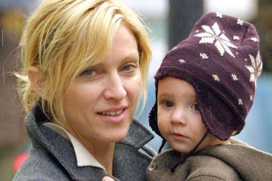 Madonna et Rocco, 2001