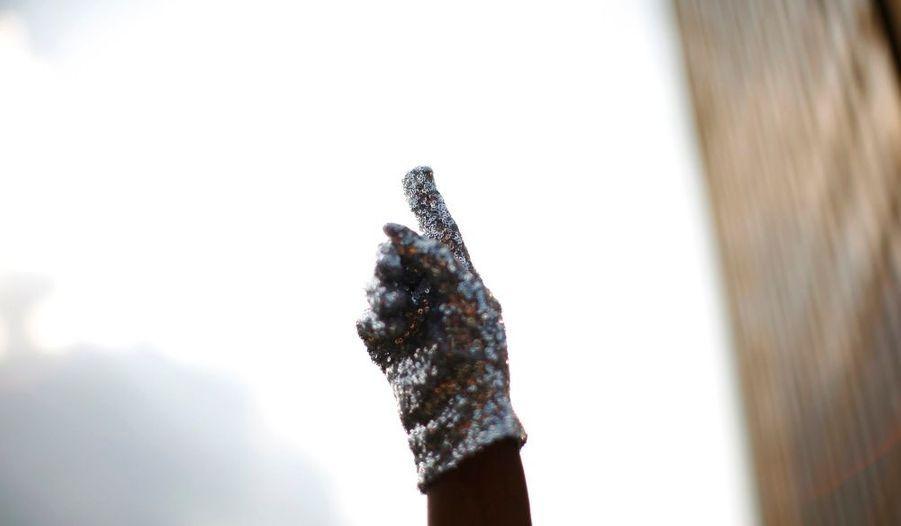 Le fameux gant de Michael, pointé vers le ciel...