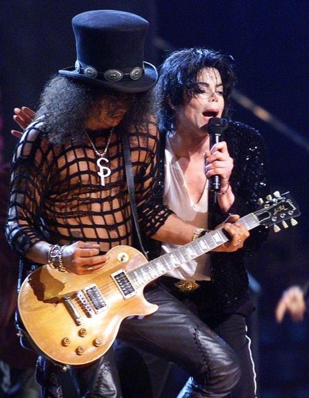 Jacko avec le guitariste des Guns and Roses, Slash, au Madison Square Garden.
