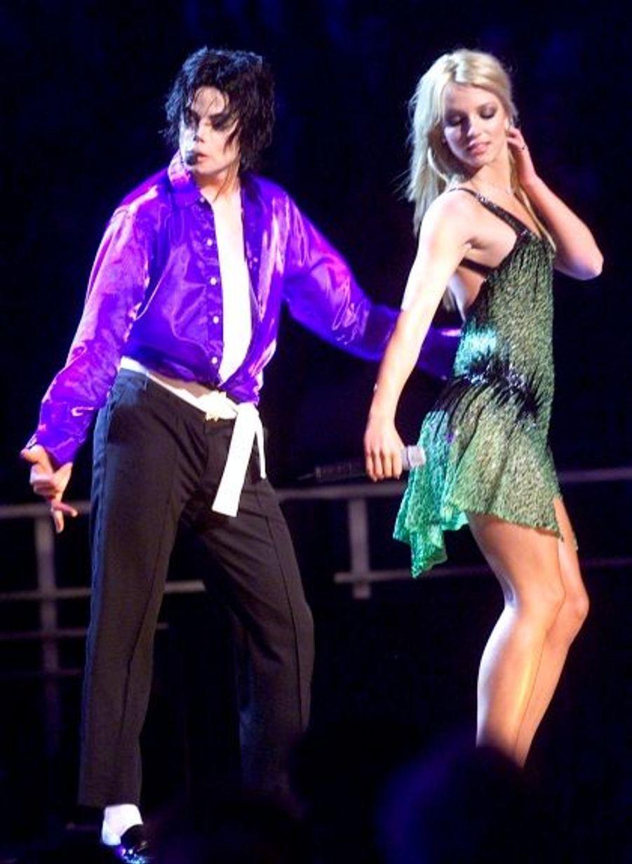 Toujours à l'occasion de la troisième décennie de sa carrière solo, Michael Jackson avait invité Britney Spears à se prduire avec lui au Madison Square Garden à New York.