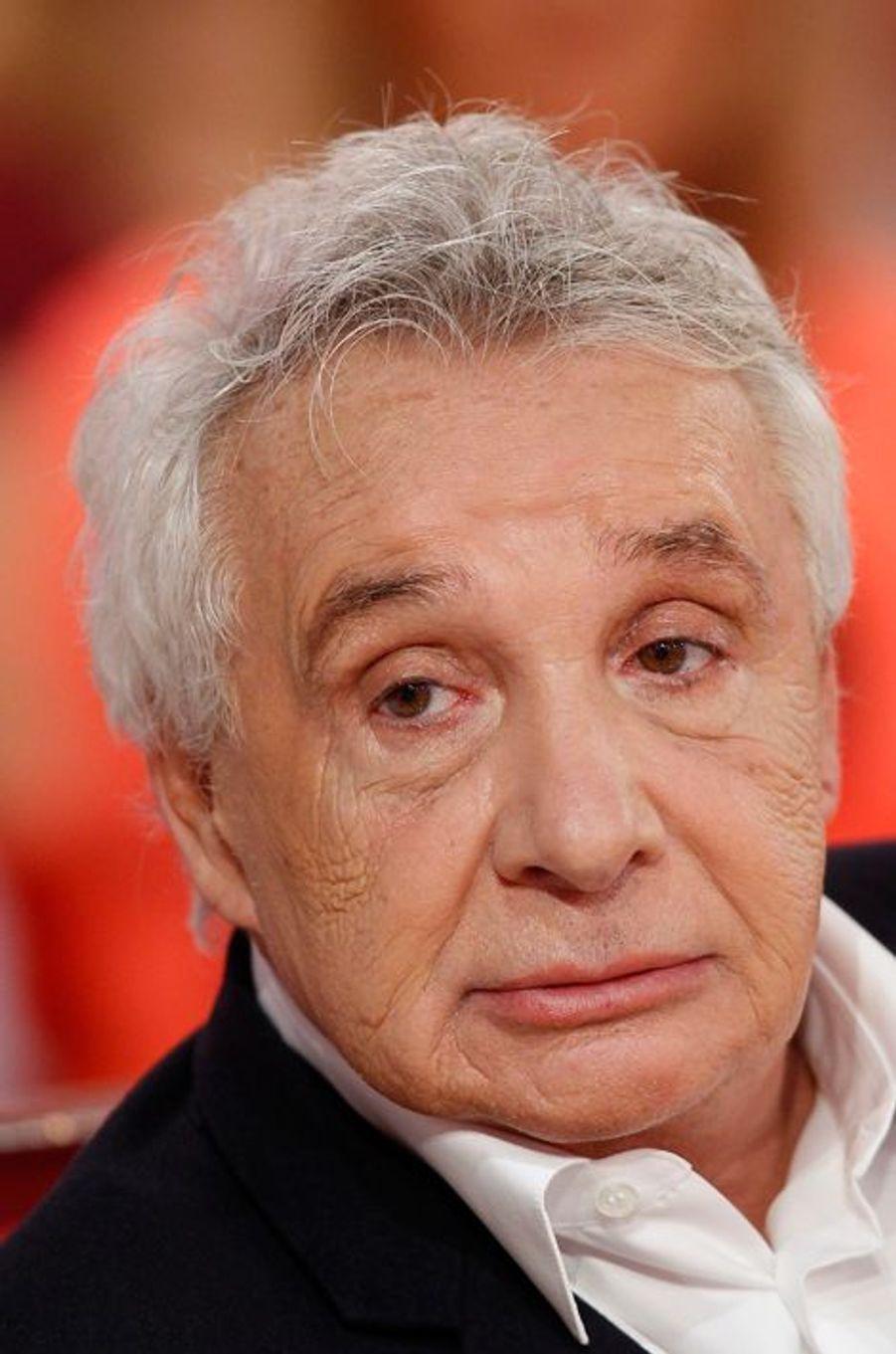Michel Sardou lors de l'enregistrement de «Vivement Dimanche» le 8 octobre 2014