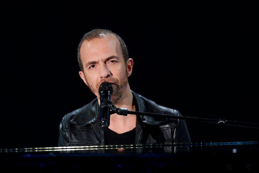"""Calogero pendant l'enregistrement de """"Vivement Dimanche"""" Salvatore Adamo, le 5 novembre 2014"""