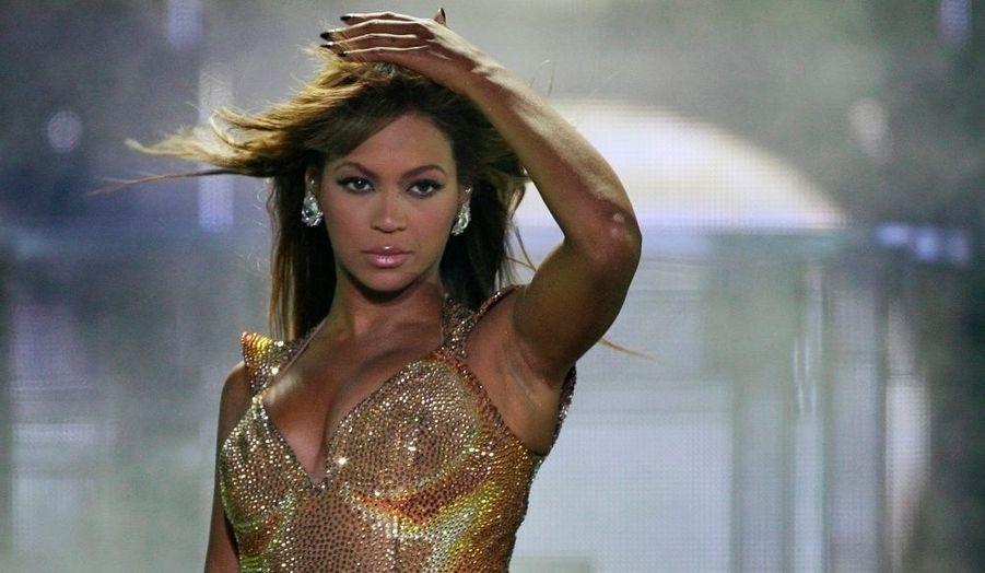 Tout juste couronnée par les MTV Europe Music Awards, Beyonce a enflammé Athènes dimanche soir.