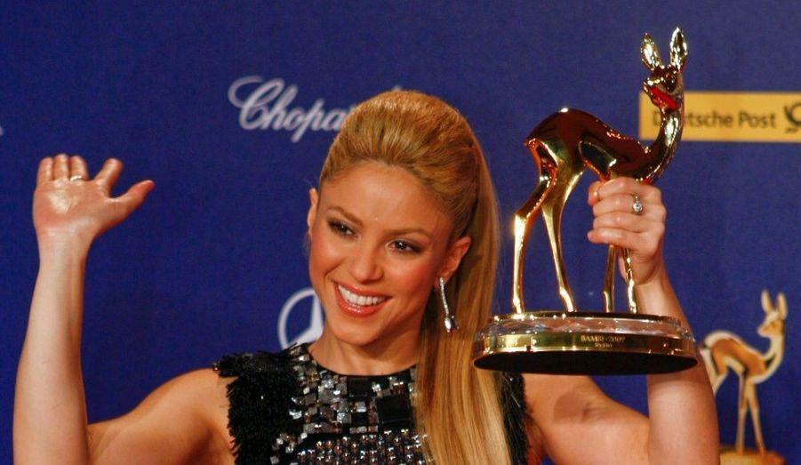 La Colombienne Shakira a été récompensé d'un Bambi d'or en tant que star internationale de l'année, lors des 61e Bambi Awards, à Postdam.