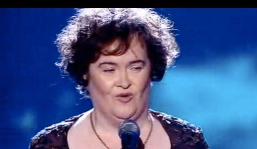 La finaliste de l'émission Britain's Got Talent n'a pas que des fans dans le monde entier et commencerait même à agacer certaines personnes. Sharon Osbourne fait partie de cette catégorie. La femme du chanteur Ozzy Osbourne n'a ainsi pas été tendre avec Susan Boyle. Invitée dans l'émission «The Opy and Anthony Show», cette dernière s'est moquée ouvertement de la chanteuse, la traitant de «sale idiote poilue», avant de concéder que si «Dieu lui a donné du talent, il l'a également battue avec une horrible canne». On devrait lui offrir un rasoir Gilette», a ainsi conclu Sharon Osbourne.