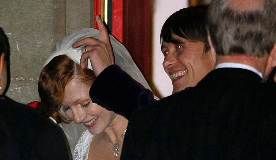 Mark Owen, du groupe anglais Take That, et sa fiancée Emma Ferguson, se sont dit oui, dimanche, lors d'une magnifique cérémonie de mariage organisée à Cawdor, près d'Inverness (Ecosse).