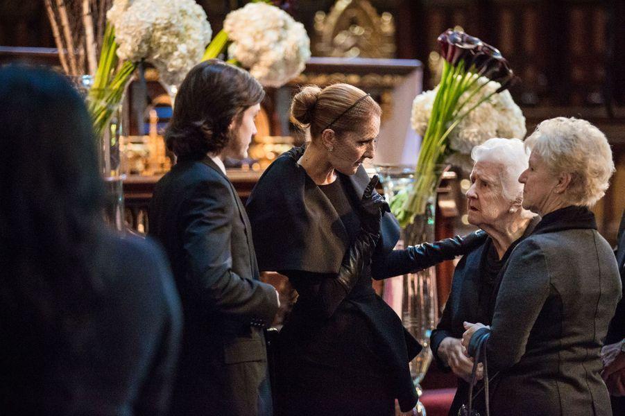 René Charles, Céline Dion, sa mère et l'une de ses soeurs
