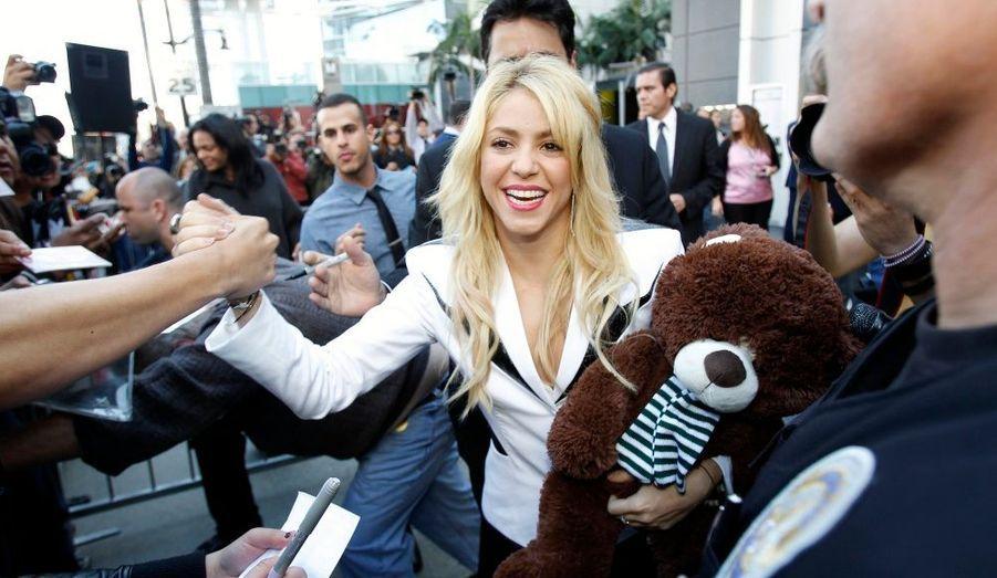 Réputée proche de ses fans, la chanteuse de 34 ans a pris le temps de venir saluer les personnes qui avaient fait le déplacement pour l'occasion. Près d'un millier de spectateurs étaient présents sur Hollywood Boulevard.