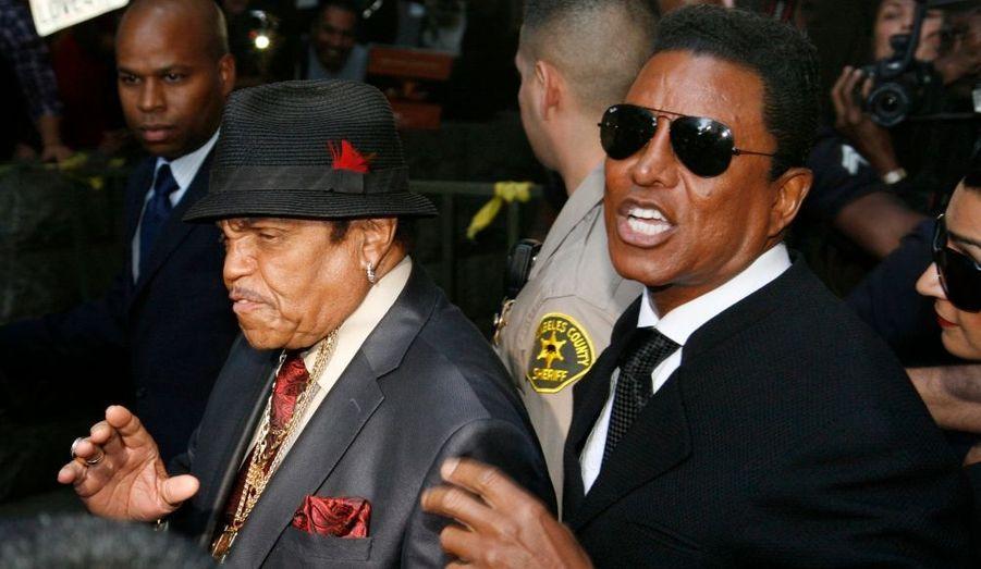 Joe et Jermaine Jackson quittent le tribunal