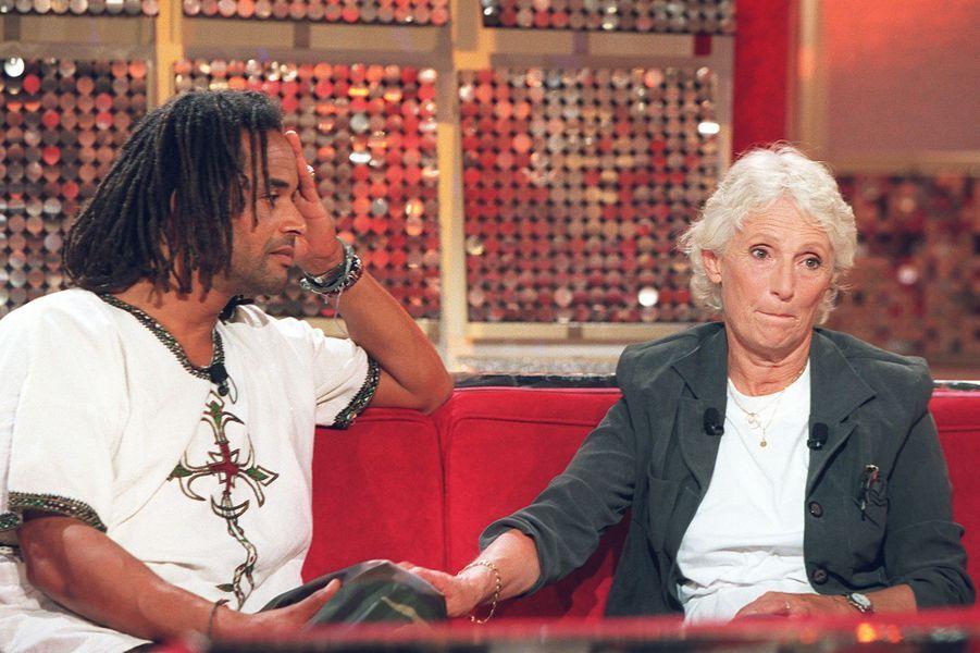 Yannick Noah et sa mère Marie-Claire à Paris, le 14 septembre 2001.
