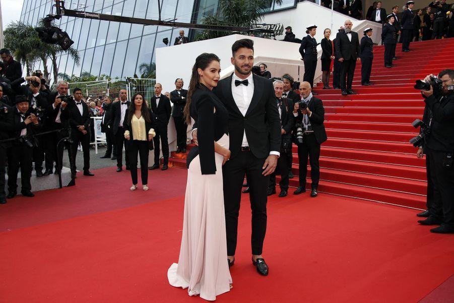 Nabilla et Thomas Vergara lors de la montée des marches du film «Une vie cachée» à Cannes le 19 mai 2019