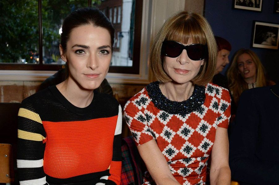 Anna Wintour et sa fille Bee Schaffer au défilé Burberry à la Fashion Week de Londres, le 16 septembre 2017.