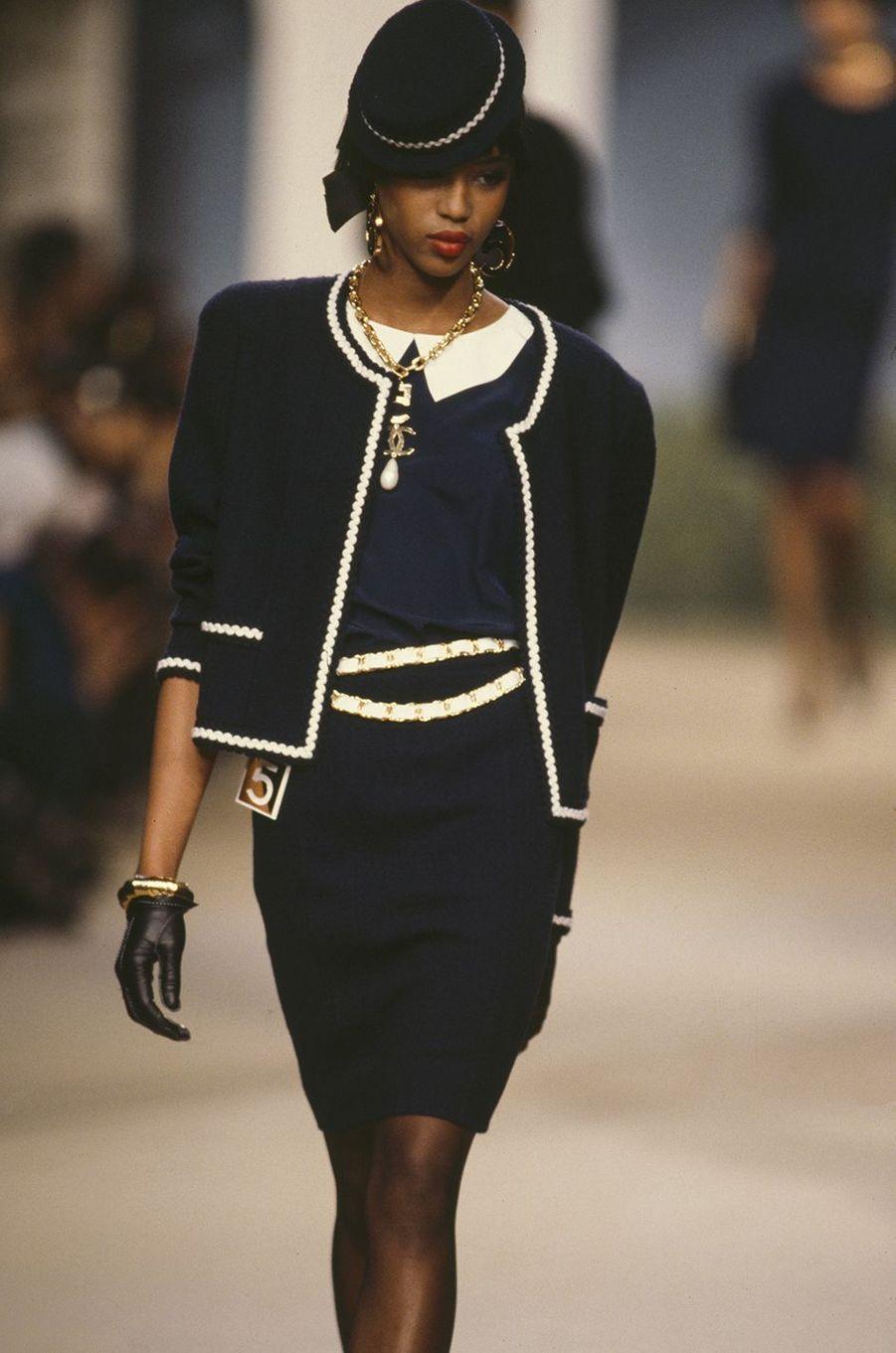 Naomi Campbell lors du défilé Chanel à Paris en octobre 1986