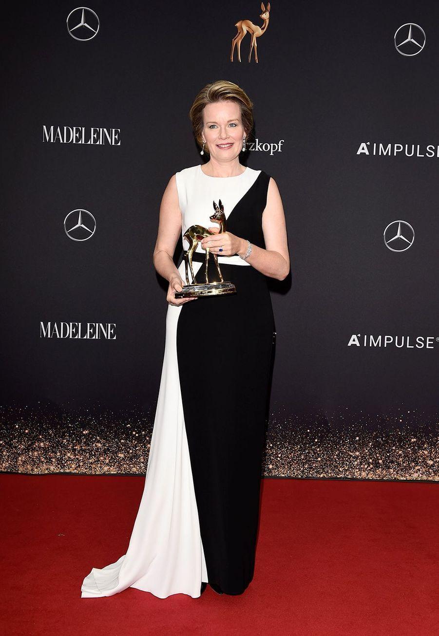 La reine des Belges Mathildeà la soirée des Bambi Awards à Baden-Baden, en Allemagne, le 21 novembre 2019.