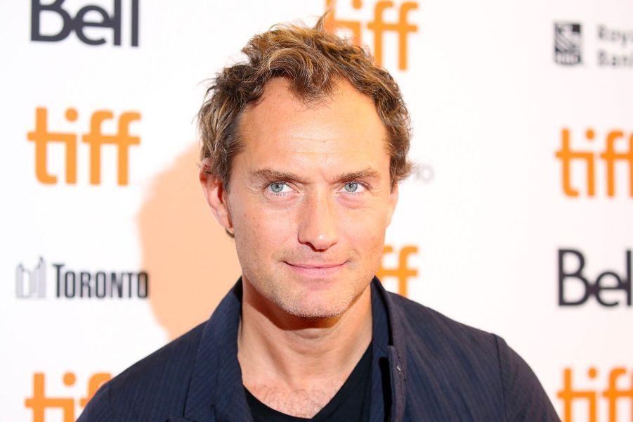 """Jude Law présente """"Vox Lux"""", de Brady Corbet, au festival de Toronto, vendredi 7 septembre"""