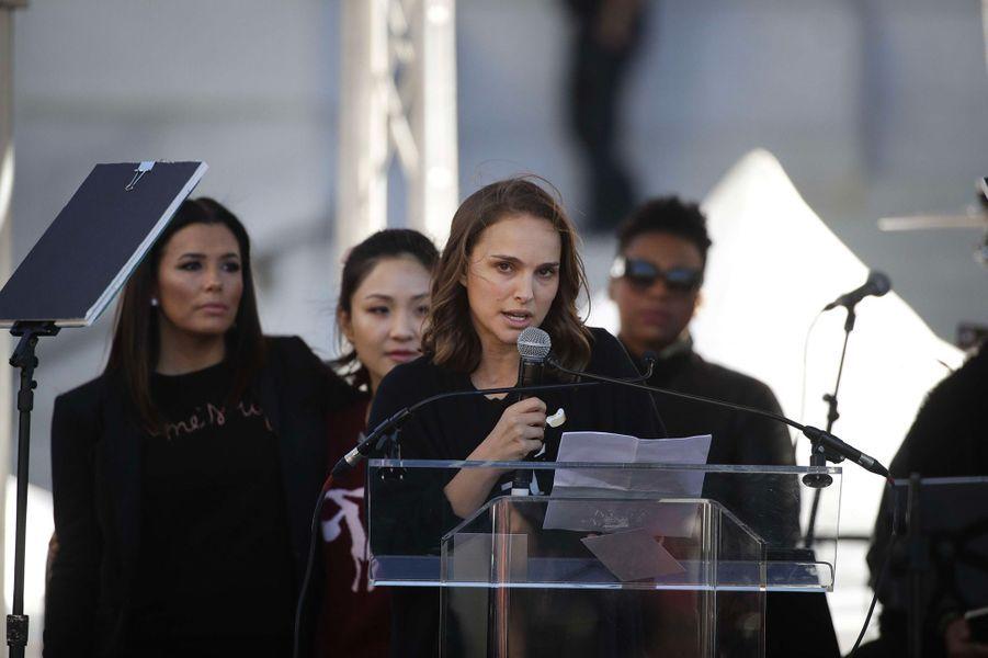 Natalie Portman, Eva Longoria et Constance Wu à la Marche des Femmes