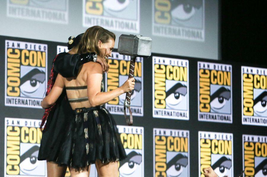 Tessa Thompson et Natalie Portman.
