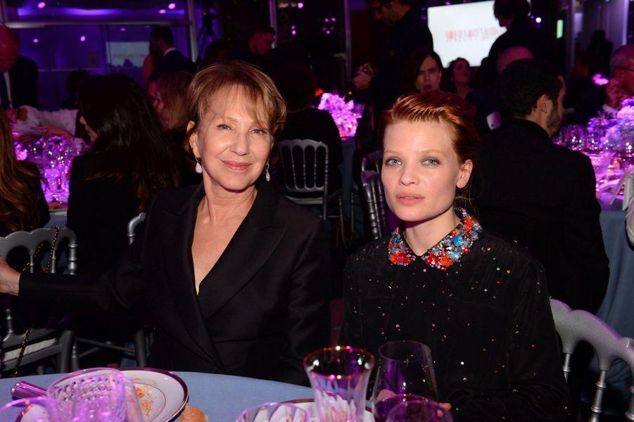 Nathalie Baye et Mélanie Thierry au Dîner de la Mode pour le Sidaction, le 25 janvier 2018 à Paris