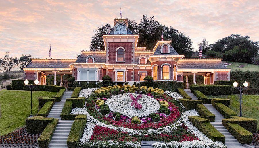 """""""Neverland"""" : le ranch de Michael Jackson remis en vente à prix cassé"""