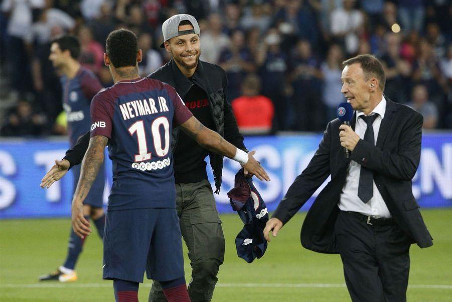 Neymar et Stephen Curry au Parc des Princes
