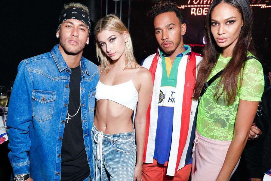Neymar et les top modèles Hailey Baldwin et Joan Smalls