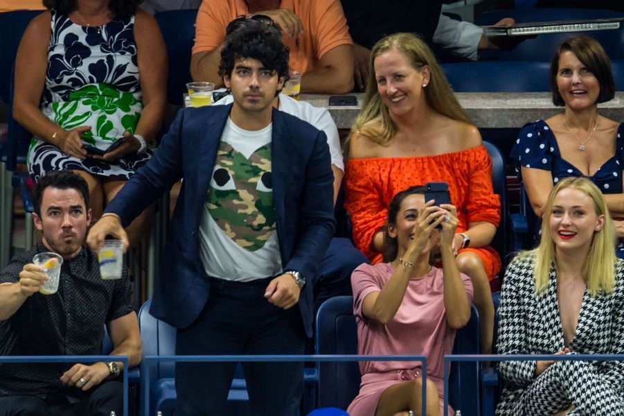 Kevin Jonas, Joe Jonas, Danielle Jonas et Sophie Turner à l'US Open, à New York le 4 septembre 2018