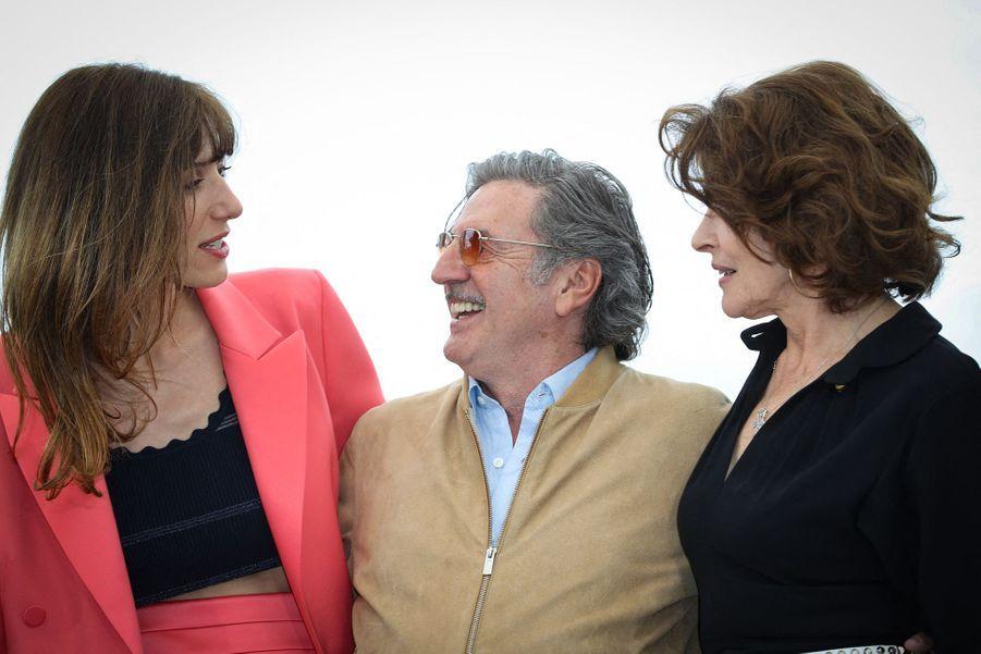 Doria Tillier, Daniel Auteuil et Fanny Ardant lors du photocall du film «La Belle Epoque» à Cannes le 21 mai 2019