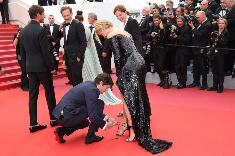 Virginie Efira et Niels Schneider à Cannes, le 24 mai 2019.