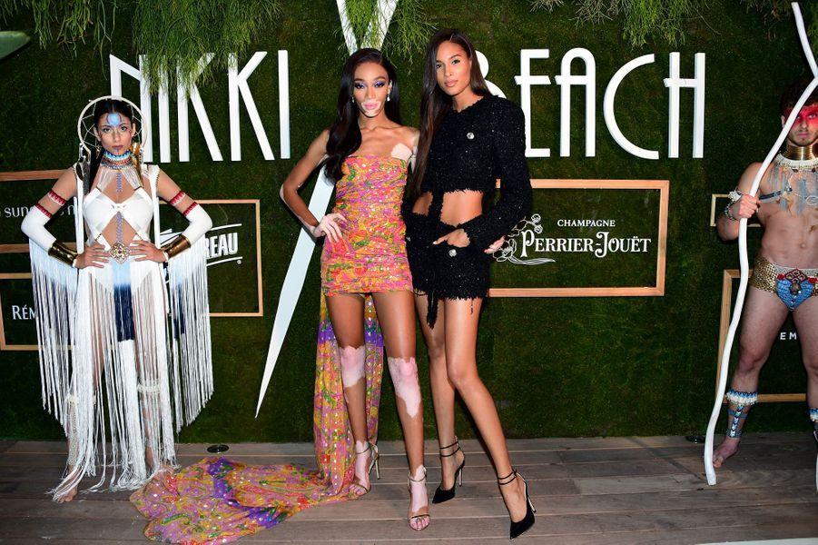 Winnie Harlow et Cindy Bruna à la soirée des 20 ans de Nikki Beach à Cannes le 22 mai 2019
