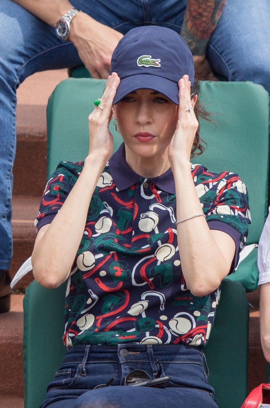 Nolwenn Leroy radieuse à Roland Garros, le 30 mai 2018.
