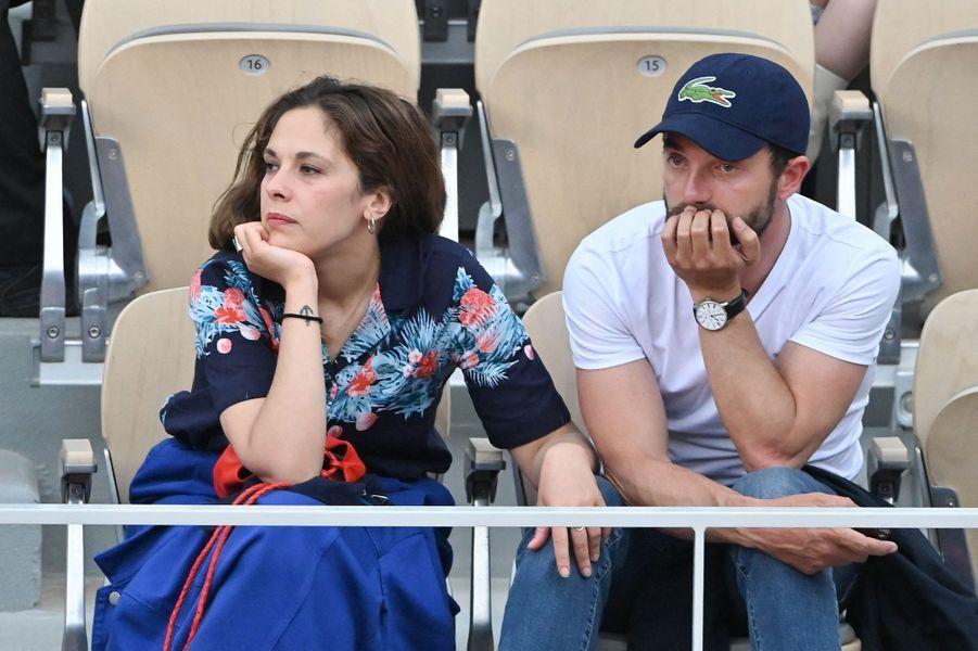 Alysson Paradis et Guillaume Gouix à Roland-Garros le 4 juin 2019