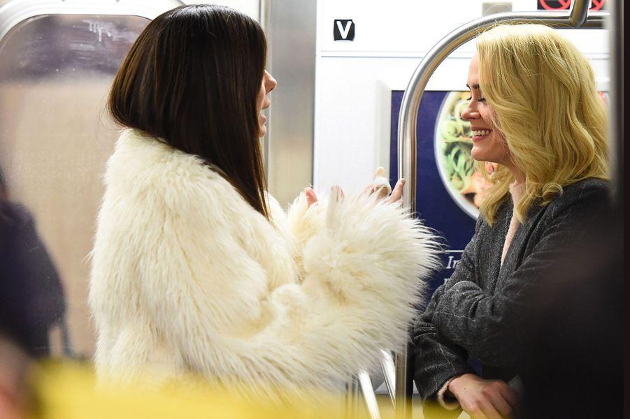 """Sarah Paulson et Sandra Bullock sur le tournage de """"Ocean's Eight"""""""