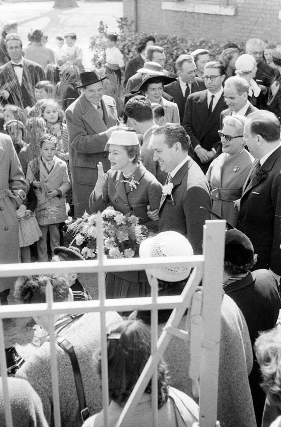 Le mariage de l'actrice Olivia de Havilland et du journaliste de Paris Match Pierre Galante, le 2 avril 1955.