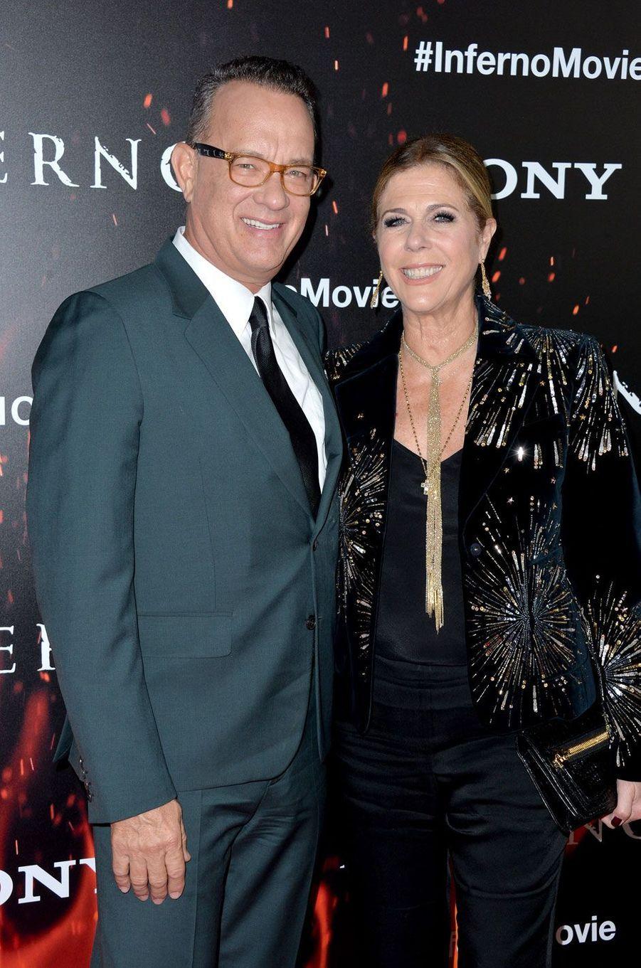 """Tom Hanks et sa femme Rita Wilson à l'avant-première de """"Inferno"""" à Los Angeles"""