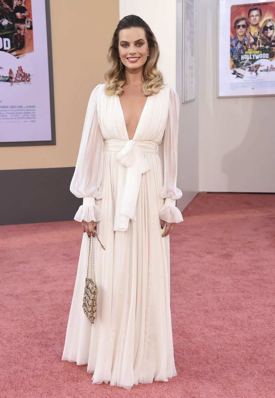 Margot Robbie (en robe Chanel) à Los Angeles le 22 juillet 2019