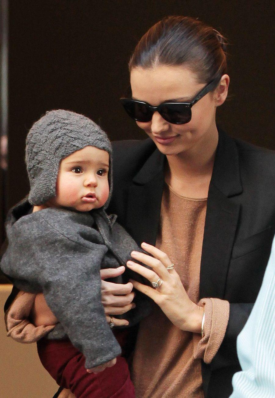 Miranda Kerr et son fils Flynn à New York en 2011