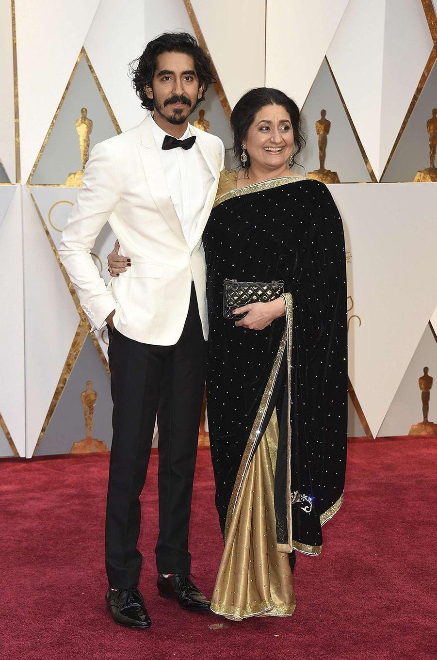 Dev Patel et sa maman Anita.